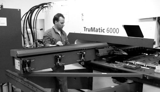 Arbeitssituation an der TruMatic 6000