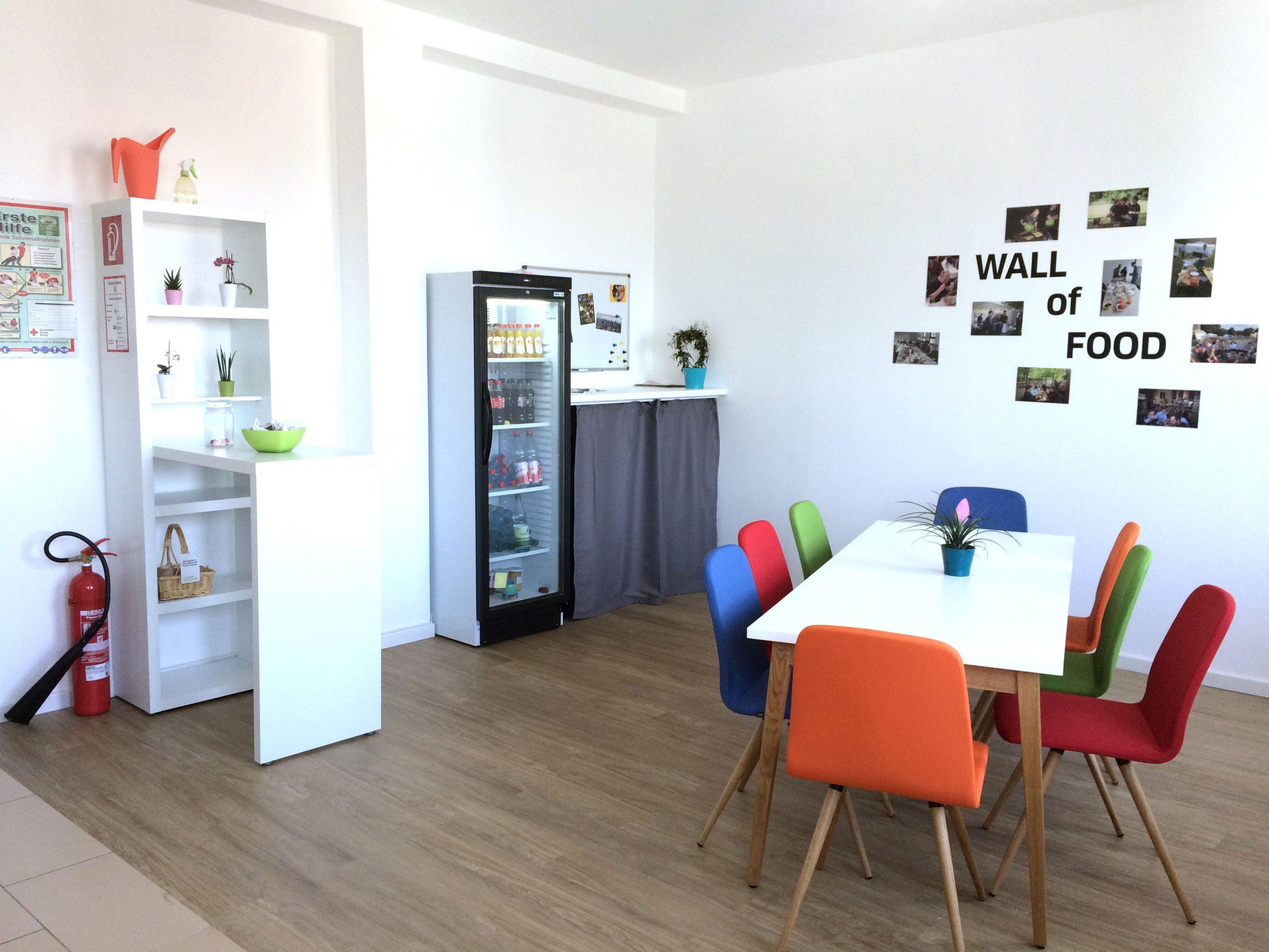 gl cklicher mitarbeiter guter mitarbeiter erfolgreiche firma. Black Bedroom Furniture Sets. Home Design Ideas